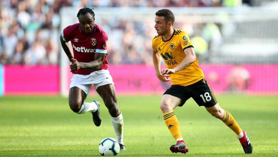 LONDON, ENGLAND - SEPTEMBER 01:  Diogo Jota of Wolverhampton Wanderers runs with the ball during the Premier League match between West Ham United and Wolverhampton Wanderers at London Stadium on September 1, 2018 in London, United Kingdom.  (Photo by Jordan Mansfield/Getty Images)