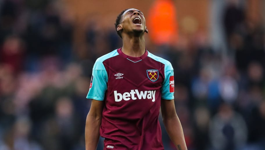 WIGAN, ENGLAND - JANUARY 27: Reece Oxford of West Ham United reacts during the The Emirates FA Cup Fourth Round match between Wigan Athletic and West Ham United on January 27, 2018 in Wigan, United Kingdom. (Photo by Robbie Jay Barratt - AMA/Getty Images)