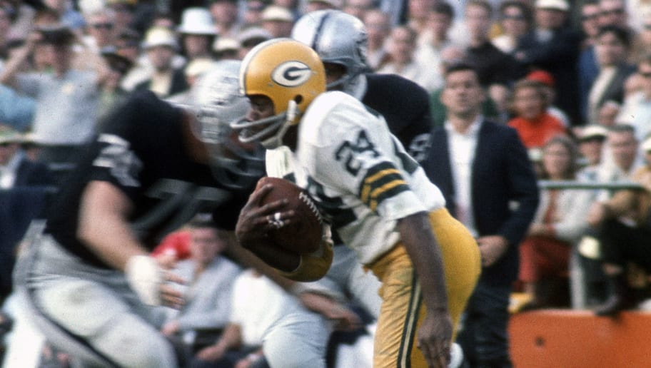 MIA MI, FL - January 14: Willie Wood #24 of the Green Bay Packers returns a punt against the Oakland Raiders during Super Bowl II January 14, 1968 at the Orange Bowl in Miami, Florida. The Packers won the game 33-14. (Photo by Focus on Sport/Getty Images)
