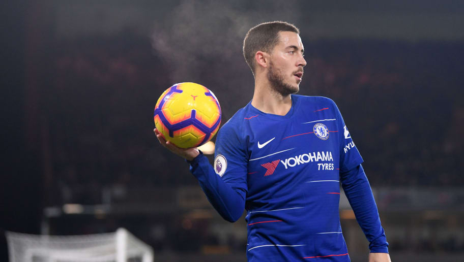WOLVERHAMPTON, ENGLAND - DECEMBER 05:  Eden Hazard of Chelsea holds the ball during the Premier League match between Wolverhampton Wanderers and Chelsea FC at Molineux on December 5, 2018 in Wolverhampton, United Kingdom.  (Photo by Laurence Griffiths/Getty Images)