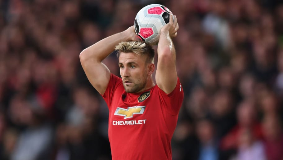 Luke Shaw Hobbles Off With Hamstring Injury in First Half of Man Utd's Clash With Crystal Palace