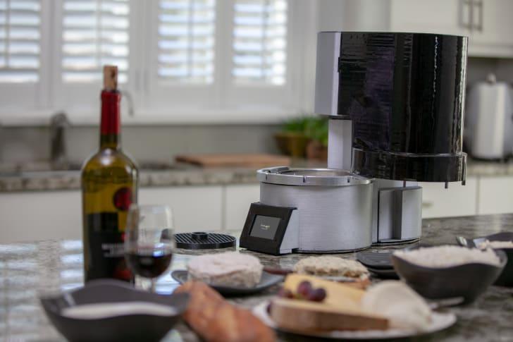 Fromaggio's home cheesemaking machine