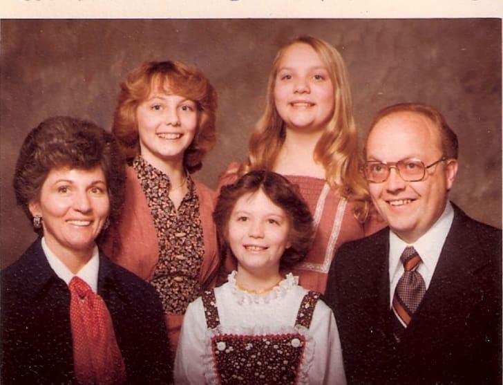 Jan Broberg, Susan Broberg, Mary Ann Broberg, Bob Broberg, and Karen Campbell in Abducted in Plain Sight (2017)