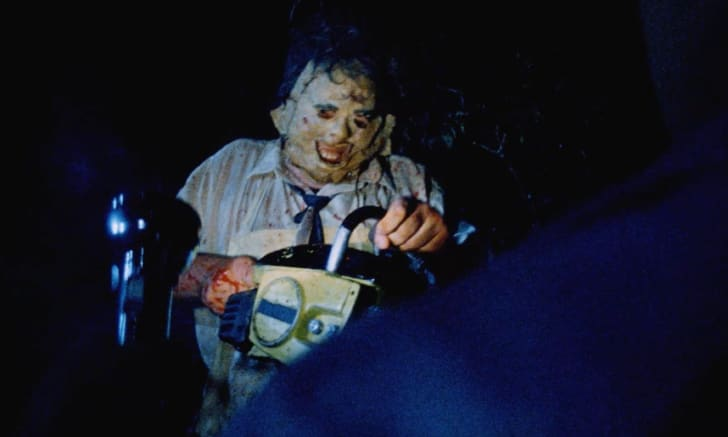 A scene from <em>The Texas Chainsaw Massacre</em> (1974).