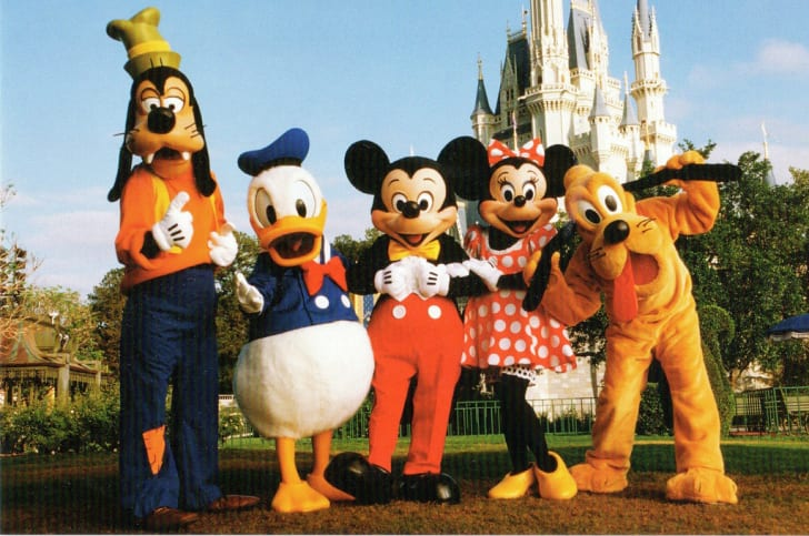 The Disney Fab 5: Goofy, Donald Duck, Mickey Mouse, Minnie Mouse, and Pluto.