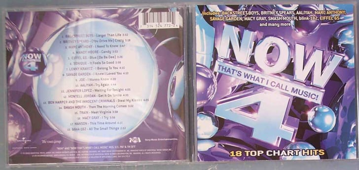 The jewel case for the U.S. version of Now That's What I Call Music! 4, which was released in July 2000.