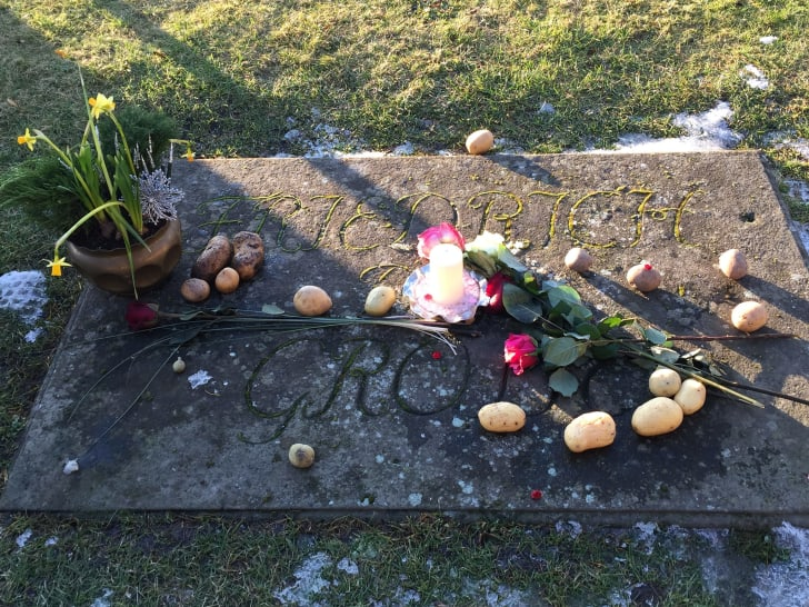 Frederick the Great's grave, with potatoes