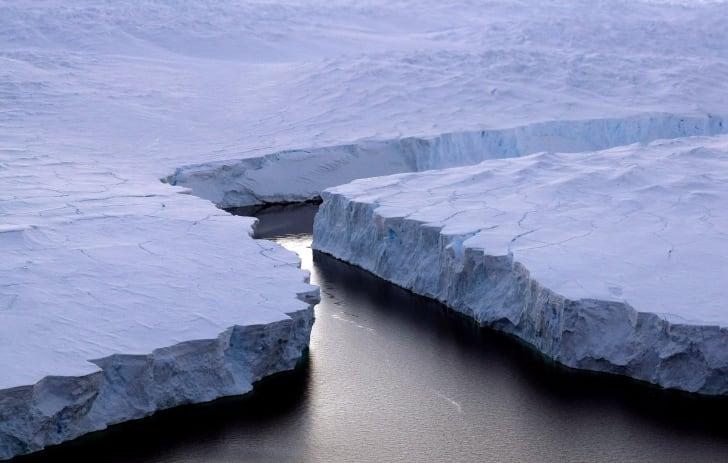 The Knox Coast iceshelf