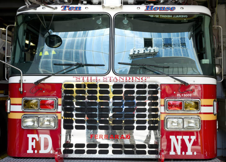 Picture of the front of an FDNY firetruck