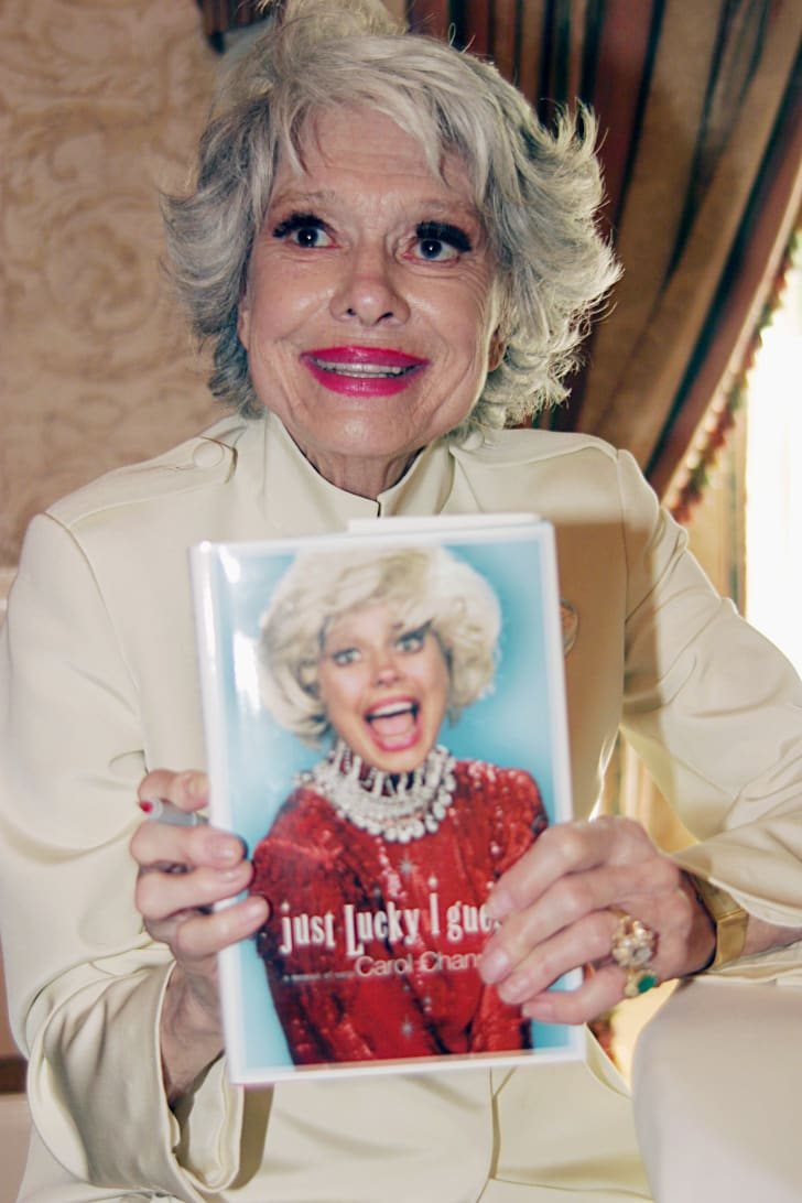 Carol Channing with her memoir in 2003.