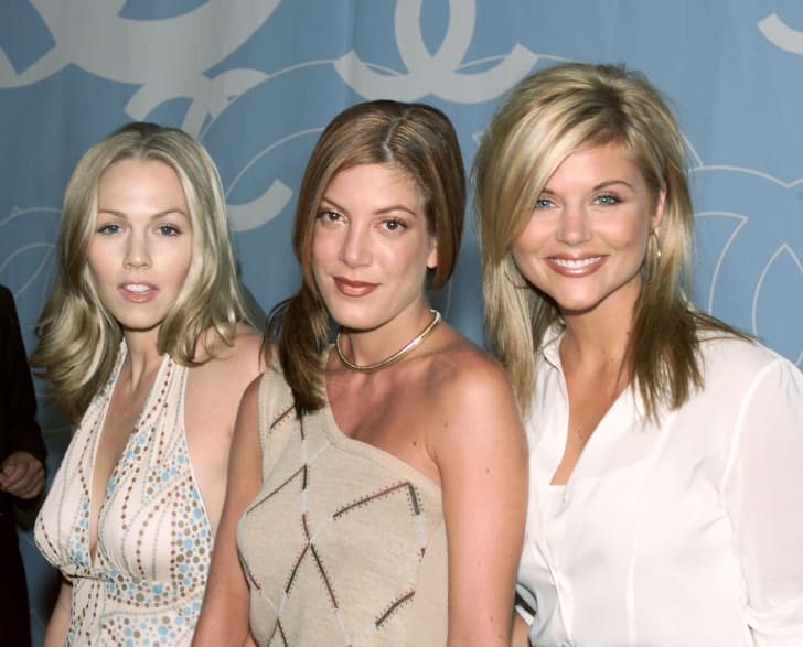 Jennie Garth, Tori Spelling and Tiffani Thiessen at a VIP reception for the reopening of the newly renovated Chanel Boutique on Rodeo Dr. in Beverly Hills, Ca. 9/14/00