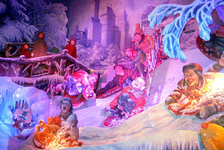 A Bloomingdale's 2008 holiday window