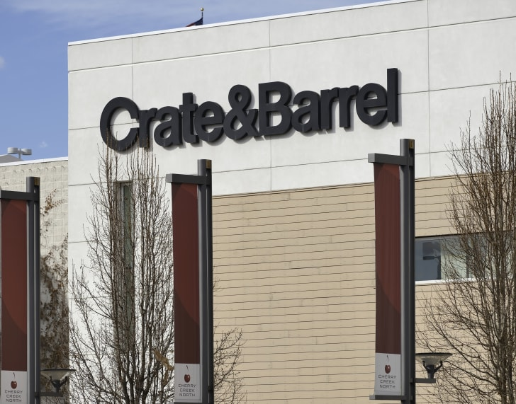 Crate & Barrel storefront