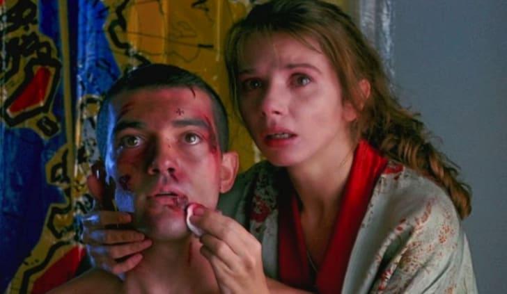 Antonio Banderas and Victoria Abril in 'Tie Me Up! Tie Me Down!' (1989)