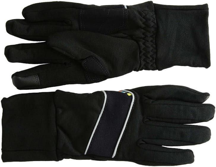 A look at a pair of Smartwool PHD insulated gloves that are used for running