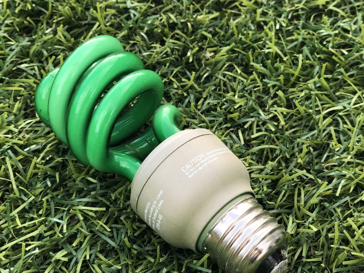A green light bulb
