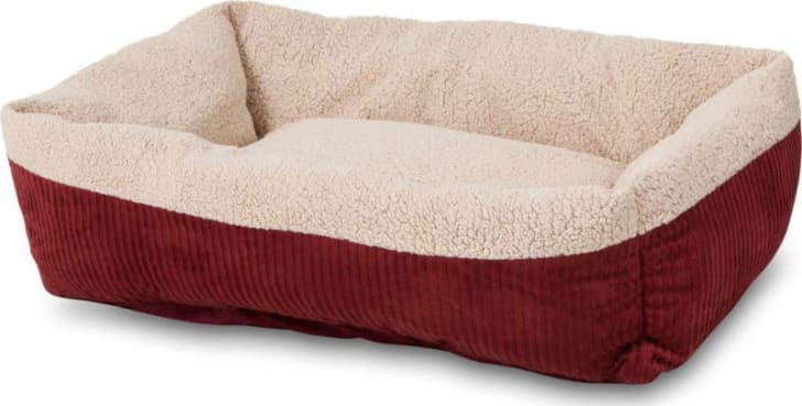 A front view of the Aspen self-warming pet bed