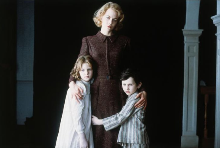 Nicole Kidman, Alakina Mann, and James Bentley in The Others (2001)