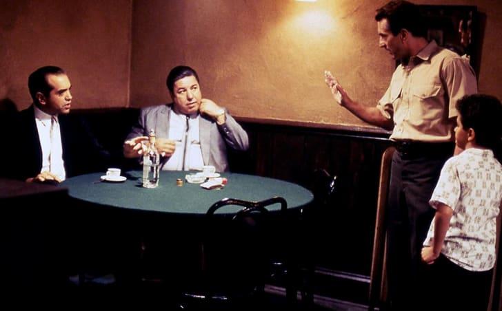 Robert De Niro and Chazz Palminteri in A Bronx Tale (1993)