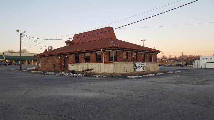 An empty, former Pizza Hut building