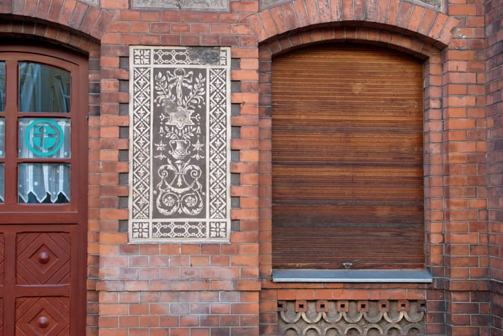A closed-up window and picturesque design in Moabit, Berlin
