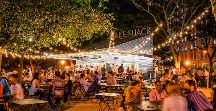 Image of Madison Square Park Shake Shack location at night