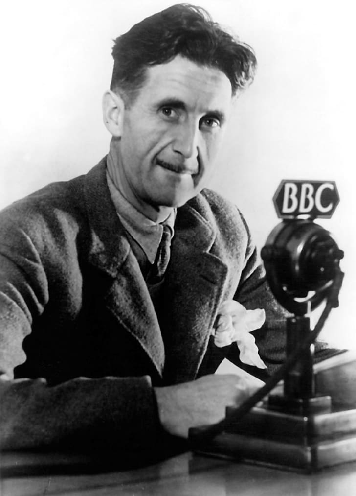 A photo of Orwell with a BBC microphone