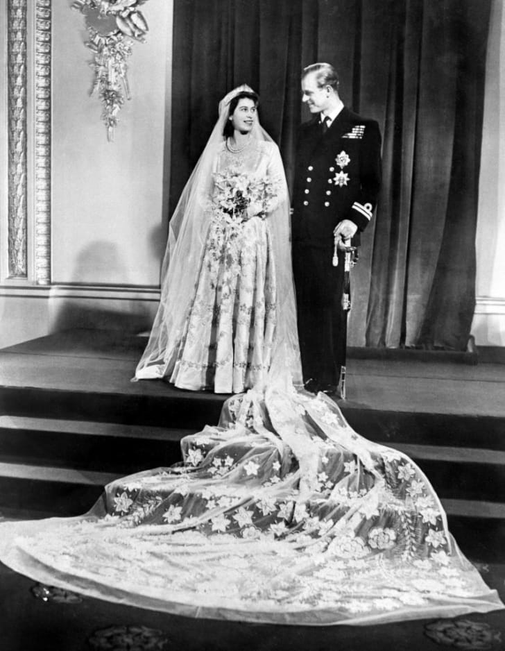Princess Elizabeth of England and Philip The Duke of Edinburgh pose on their wedding day, 20 November 1947 in Buckingham Palace
