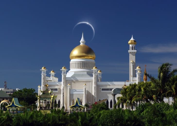 Brunei's royal weddings have a ceremony that takes place in the Throne Chamber of the Istana Nurul Iman palace.