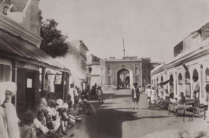 A black and white photo of Jaipur from 1875