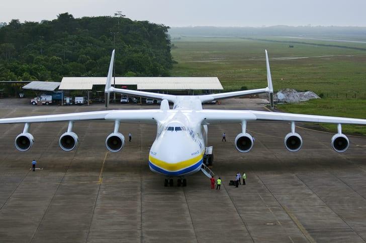 Antonov An-225 in Paramaribo