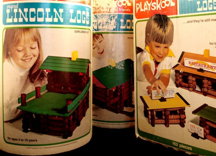 A set of 1970s Lincoln Logs