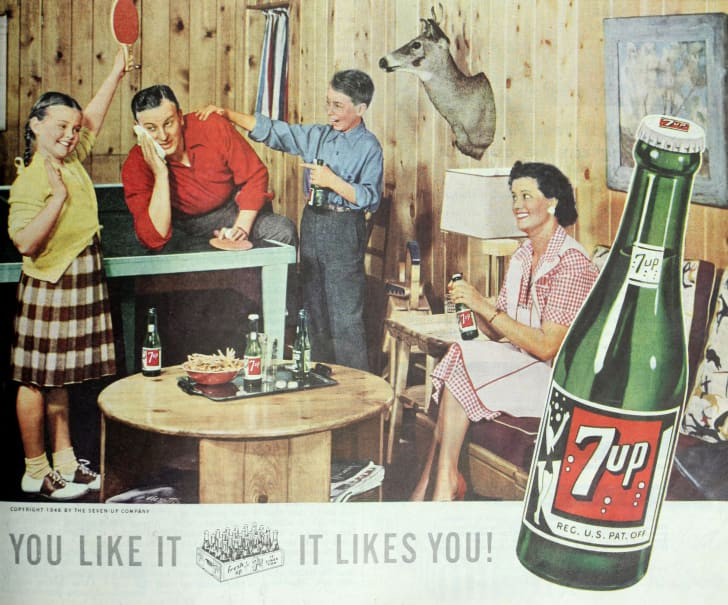 7 Up ad featuring family in 1948 issue of Ladies' Home Journal magazine