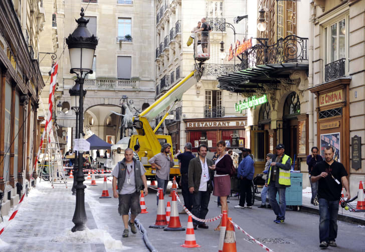 Ffilming The Invention of Hugo Cabret on street