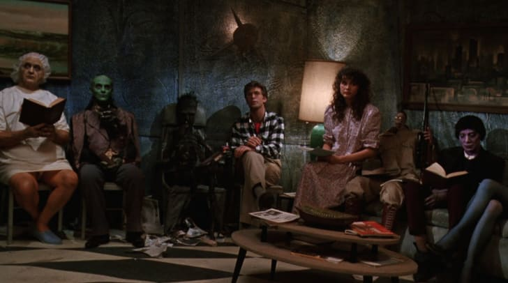 Geena Davis and Alec Baldwin in Beetlejuice (1988)