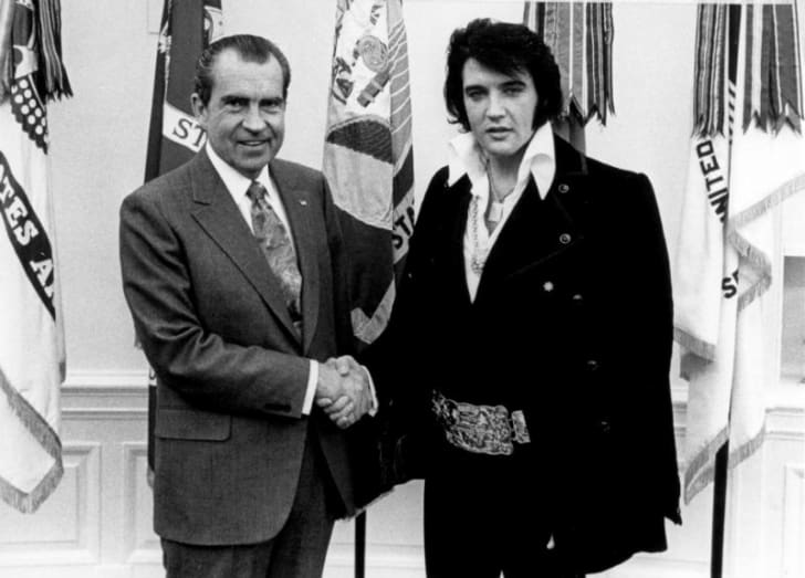 Richard Nixon greets Elvis Presley at the White House in 1970
