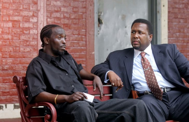 Wendell Pierce and Michael Kenneth Williams in The Wire (2002)