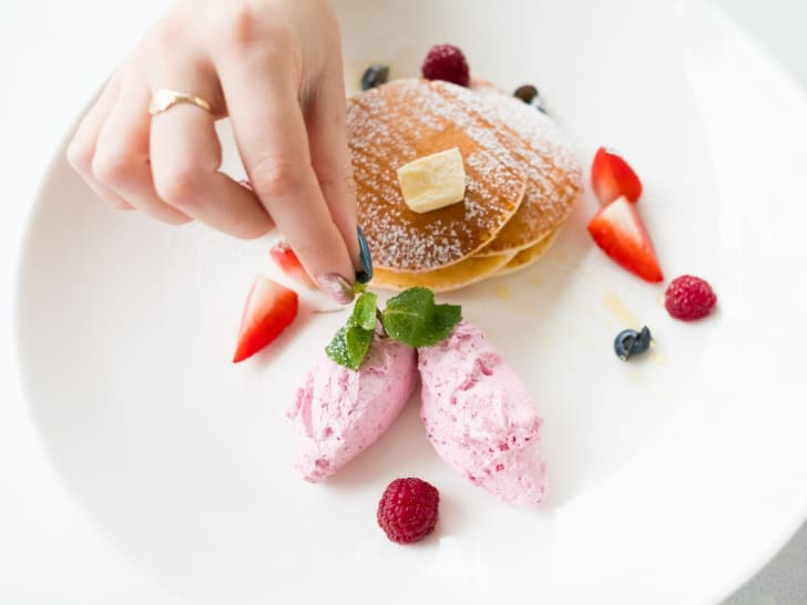 hand styling pancakes