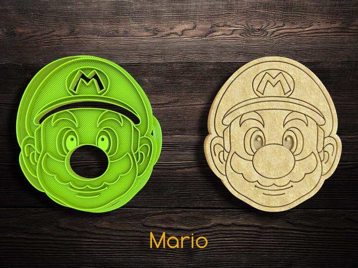 Super Mario Cookie Cutter and Stamper Set