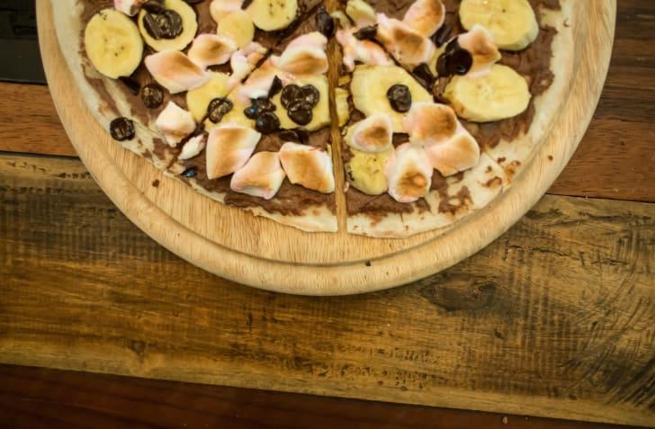 A Nutella pizza.