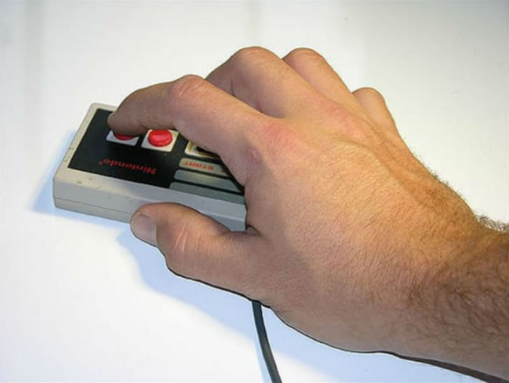 A Nintendo controller is operated as a computer mouse