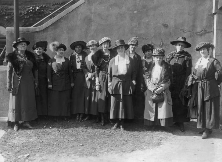 The first all-woman jury called in the state of New Jersey, circa 1920.