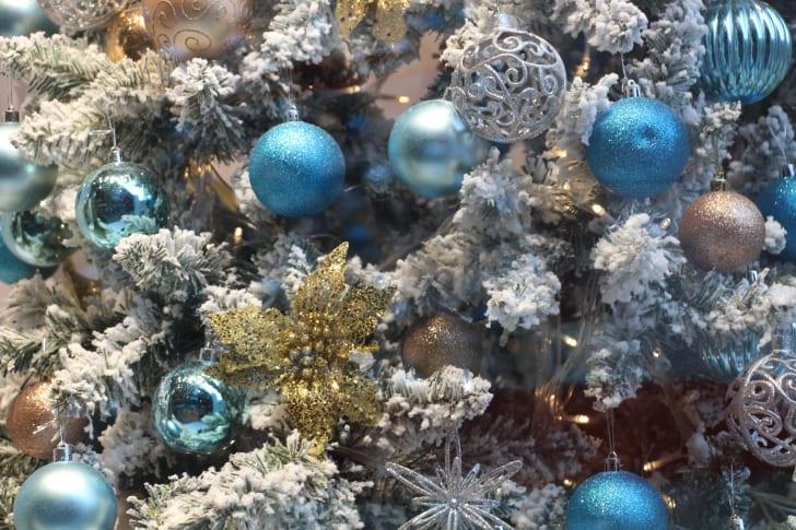 A sparkling Christmas tree