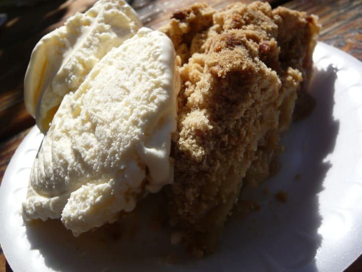 Apple crumb pie from Apple Annie's orchard.