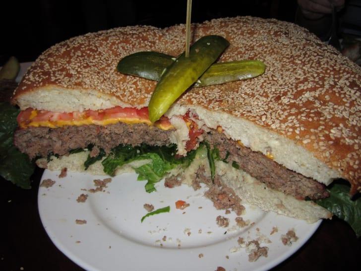 Mallie's 10-Pound Monster Burger