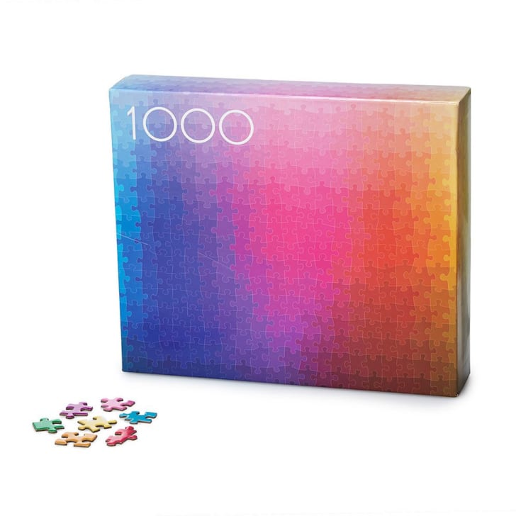 Box of a jigsaw puzzle.