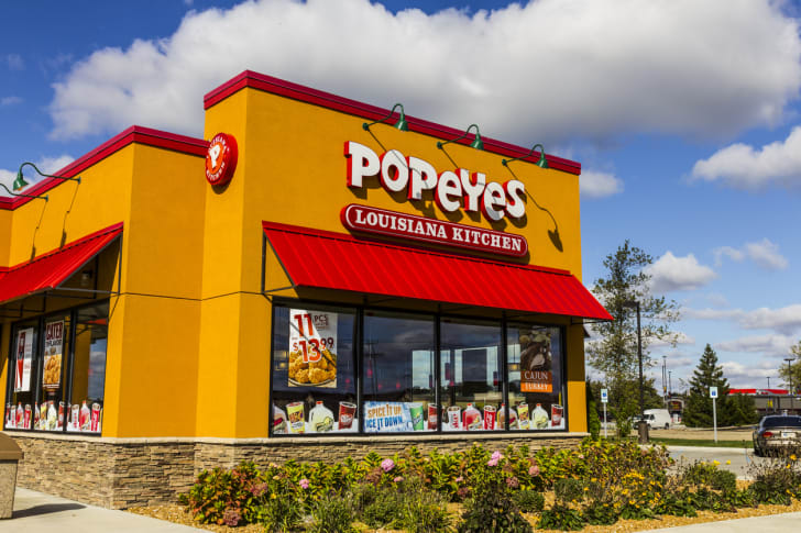 The front exterior of a Popeyes restaurant