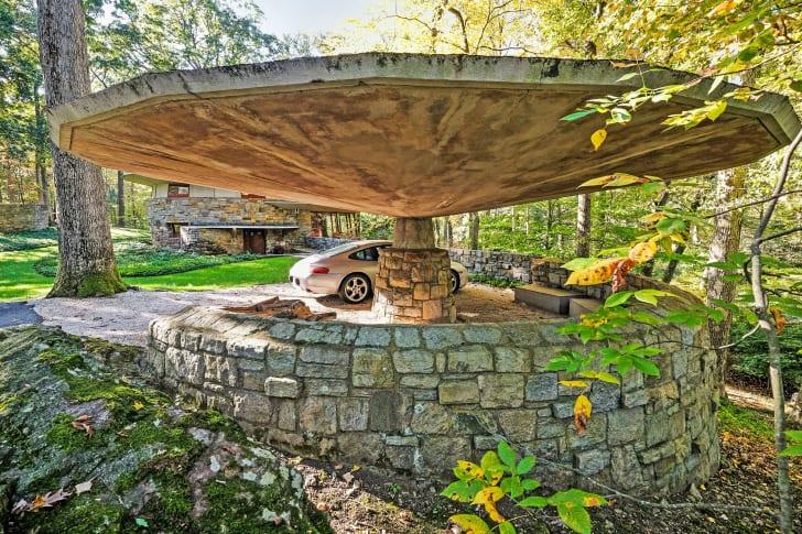 The Sol Friedman House features a carport that looks like a giant mushroom.