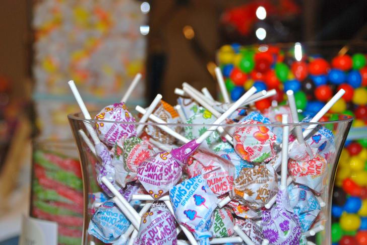 Jar of Dum Dums lollipops.