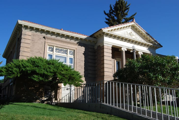The exterior of the Carnegie Library in Green River, Wyoming.